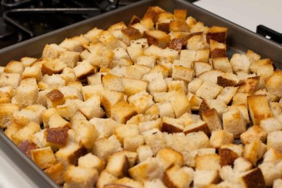 Homemade-Croutons-2