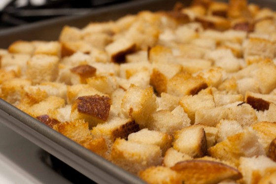 Homemade-Croutons-3