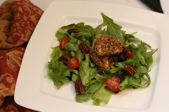 Field-Greens-Spiced-Pecans-Goat-Cheese-Balsamic-Vinaigrette-5
